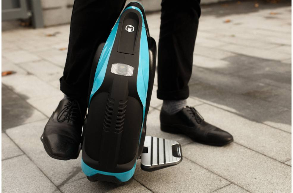 Inmotion V3, The Twin Wheeled Electric Unicycle Review | PET