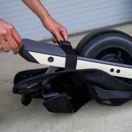 Onewheel_Backpack_for_XR_or_ Pint_eBoard_Personal-Electric-Transport-London-UK_2