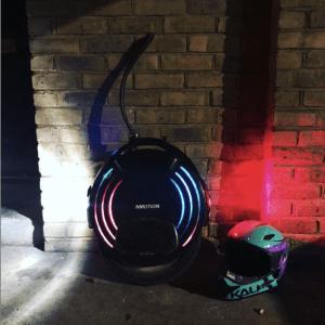 V10F Inmotion electric Unicycle and Kali Zoka fullface helmet