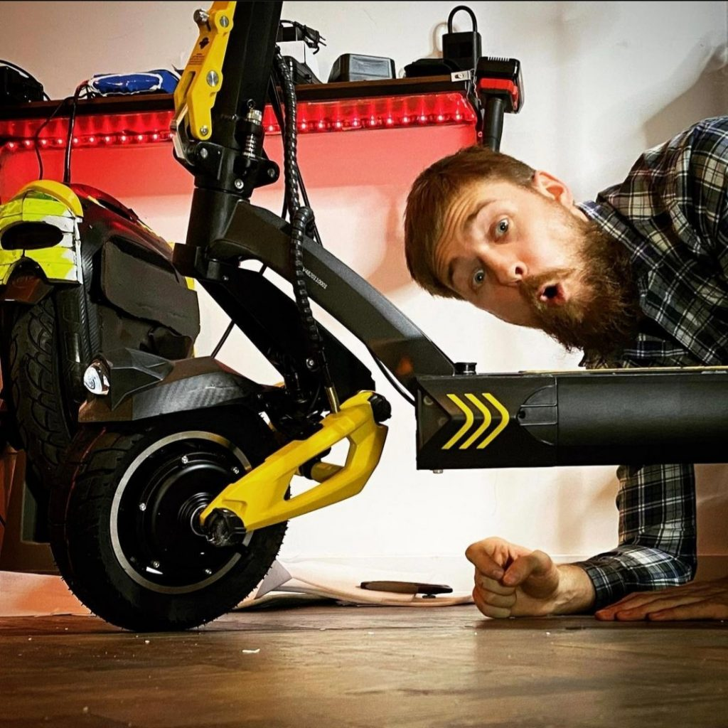 WrongWay Youtube Vsett 10 plus electric scooter
